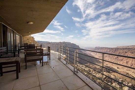 dana-guesthouse-balcony